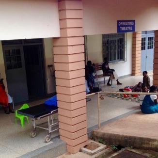 La sala d'attesa prima delle operazioni